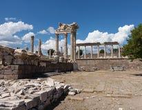 Detaljer av det gammalt fördärvar på Pergamum Arkivfoto