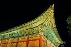 Detaljer av det koreanska traditionella taket Arkivbild