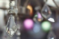 Detaljer av en crystal lampskugga Arkivbild