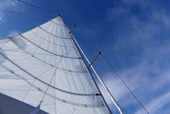 Detaljer av en full plankaströmförsörjning seglar Royaltyfri Fotografi