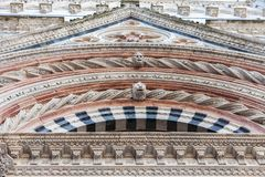 Detaljer av fasaden av Siena Cathedral Duomo di Siena Royaltyfria Bilder