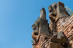 Detaljer av forntida Burmese buddistiska pagoder Arkivfoto