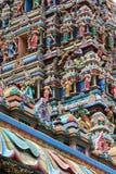 Detaljer av Gopuramen royaltyfri fotografi
