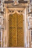 Detaljer av inre av kyrkan för St Lorenz St Lawrence royaltyfria bilder