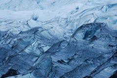 Detaljer av isen i en glaciär, söder av Island arkivfoton
