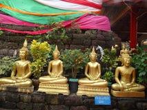 Detaljer av konster på den buddistiska templet Arkivfoto