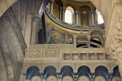 Detaljer av kupolen av Catholiconen, kyrka av den heliga griften, Jerusalem, Israel arkivbild
