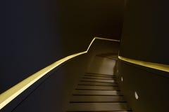 Detaljer av metallräcket och trappa Arkivfoto