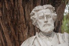 Detaljer av monumentet som är hängiven till poeten Gustavo Adolfo Becquer i Seville Royaltyfria Foton