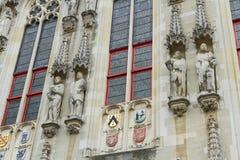 Detaljer av stadshuset, Stadhuis, Bruges Royaltyfri Fotografi