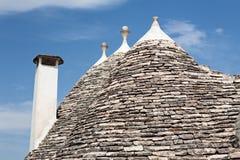 Detaljer av typiska koniska tak i Alberobello, Puglia, Italien Royaltyfria Bilder