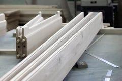 Detaljer av wood produkter på ett möblemang Royaltyfria Bilder