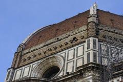 Detaljer av yttersidan av de Cattedrale dina Santa Maria del Fio Royaltyfria Foton