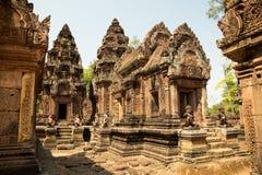 Detaljer för Banteay Srei överblick allra Royaltyfri Fotografi