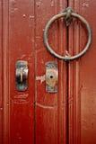 Detaljer för för dörrmetallknackare och lås royaltyfri fotografi
