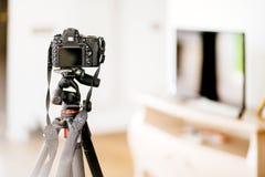 Detaljer för inredesign - yrkesmässig dslrkamera som fotograferar möblemang- och designdetaljer fotografering för bildbyråer