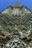 Detaljer Phra Prang Wat Arun Royaltyfri Foto