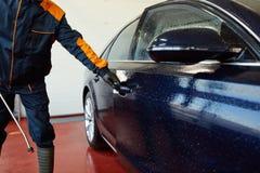 Detaljerad biltvätt Arkivfoto