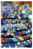 detaljerad marknad för afrikanskt beadworkhantverk arkivbilder