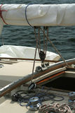 detaljseglingyacht arkivfoton
