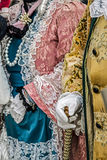 Detaljsikt av en epoquedräkt på Venetian karneval 4 Royaltyfria Bilder