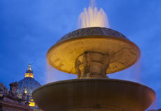 detaljspringbrunnpiazza pietro san Royaltyfri Foto