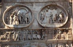 Detalla el arco de Constantina Roma Italia Imágenes de archivo libres de regalías