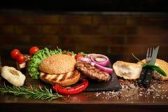 Detalla la hamburguesa Foto de archivo libre de regalías