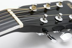 Detalle 12 de la guitarra acústica Imagen de archivo