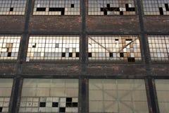 Detalle abandonado de la ventana de Warehouse Foto de archivo