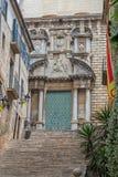 Detalle antiguo agradable de la calle en una ciudad española Gerona 29 05 España 2018 Fotografía de archivo libre de regalías