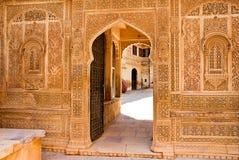 Detalle arquitectónico del palacio de Mandir, Jaisalmer, la India Fotos de archivo