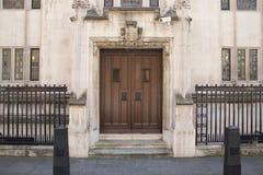 Detalle arquitectónico del Tribunal Supremo Westminster, Parliament Square, Londres, Inglaterra, el 15 de julio imagen de archivo