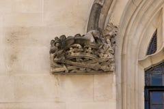 Detalle arquitectónico del Tribunal Supremo Westminster, Parliament Square, Londres, Inglaterra, el 15 de julio fotos de archivo