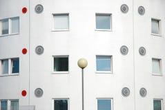 Detalle arquitectónico en la universidad de las residencias del este de Londres. Imagen de archivo libre de regalías