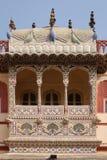 Detalle arquitectónico en palacio de la ciudad de Jaipur Imagenes de archivo
