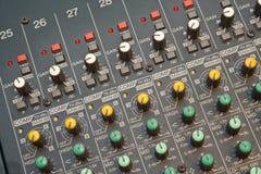 Detalle audio del mezclador fotos de archivo