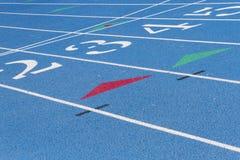 Detalle azul de la pista de la High School secundaria Imagenes de archivo