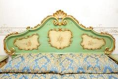 Detalle barroco de la cama foto de archivo libre de regalías