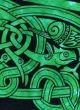 Detalle céltico de la materia textil del adorno de los pescados Foto de archivo