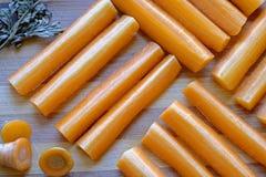 Detalle cuadrado fresco de la cosecha del paisaje de los palillos de zanahoria fotografía de archivo libre de regalías