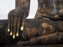 Detalle de Buddha& x27; mano de s en Sukhothai Tailandia Fotos de archivo libres de regalías