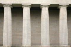 Detalle de columnas griegas clásicas Imagen de archivo libre de regalías