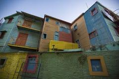 Detalle de la arquitectura coloreada en el La Bocca en la noche Foto de archivo libre de regalías
