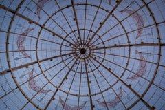 Detalle de la bola de la Navidad de 12 metros fotografía de archivo