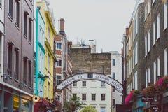 Detalle de la calle de Carnaby en centro de ciudad de Londres Imagenes de archivo