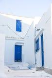 Detalle de la calle en la isla de Serifos, Grecia imágenes de archivo libres de regalías