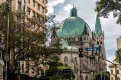 Detalle de la catedral metropolitana, en Sao Paulo, el Brasil imagenes de archivo