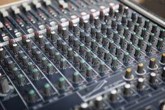 Detalle de la consola de mezcla audio Fotografía de archivo