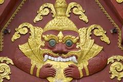 Detalle de la decoración de la fachada del templo de Wat Khunaram en Koh Samui, Tailandia Fotografía de archivo